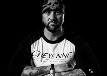 Cheyenne Artist Randy Engelhard is one of the most famous tattoo artists in Germany. His loves to deliver his realistic tattoos with the new Cheyenne SOL Nova.
